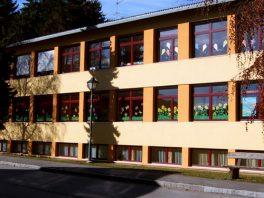 Schulhaus1