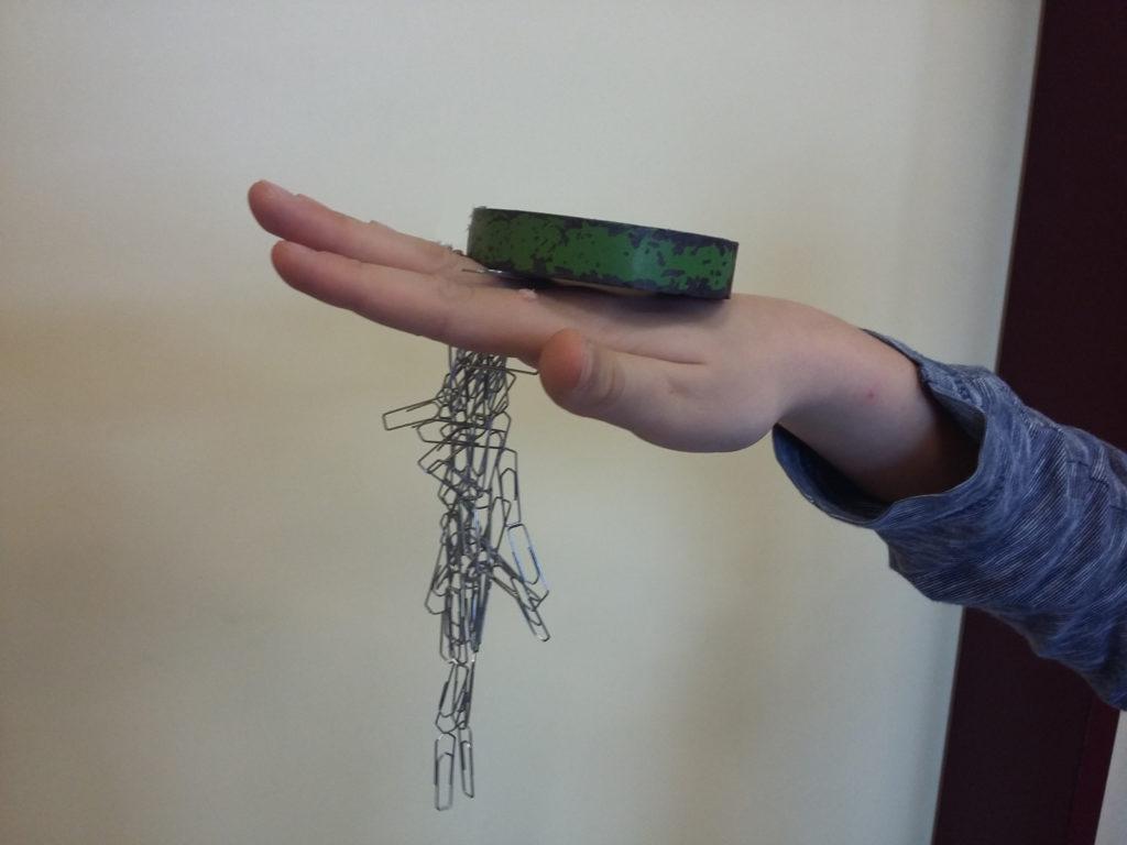 Durch die Hand magnetisch